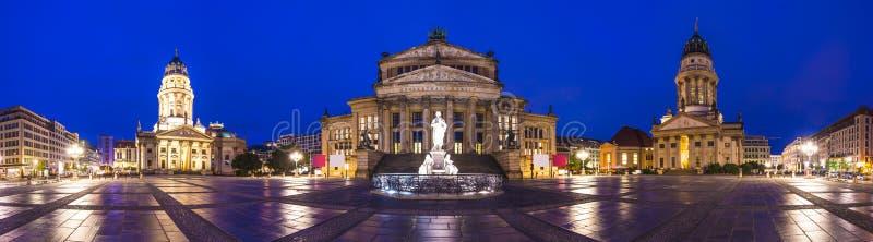 Gendarmenmarkt fyrkant i Berlin royaltyfri foto