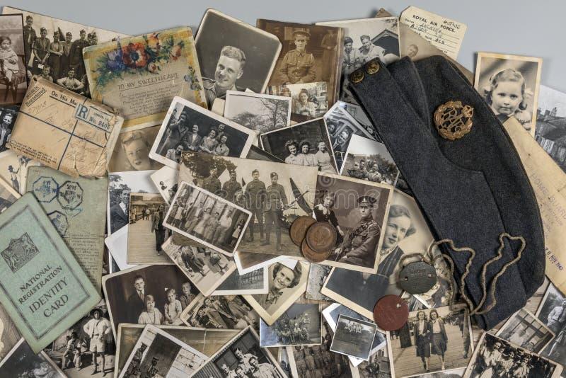 Genealogie - Familiengeschichte - alte Familienfotos stockfotografie
