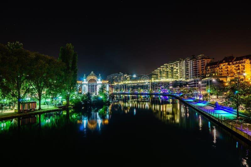 Genebra na noite, Suíça imagem de stock royalty free