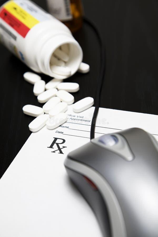 Geneeskunde online royalty-vrije stock afbeelding