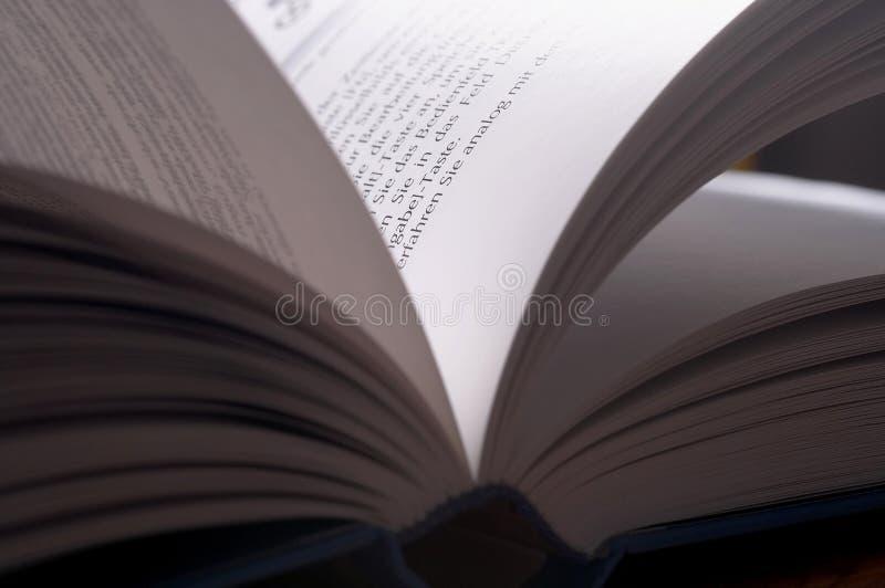 geneigtes Buch lizenzfreies stockbild