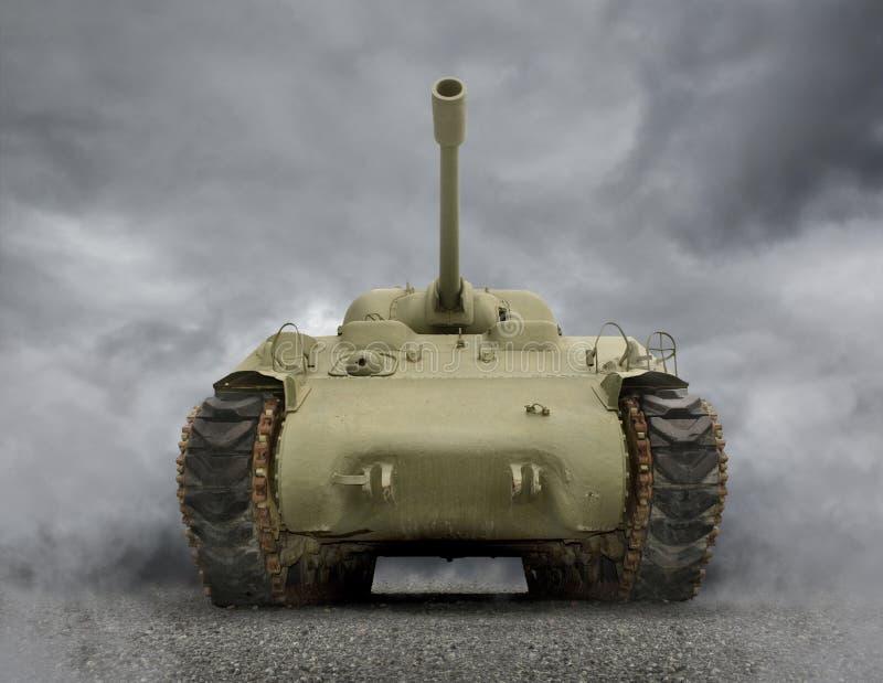 Download Generał Sherman Zbiornik zdjęcie stock. Obraz złożonej z kanon - 26139016