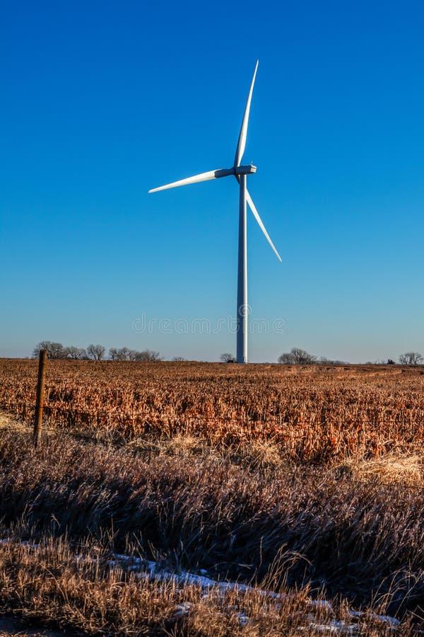 Generador de viento en invierno fotos de archivo libres de regalías
