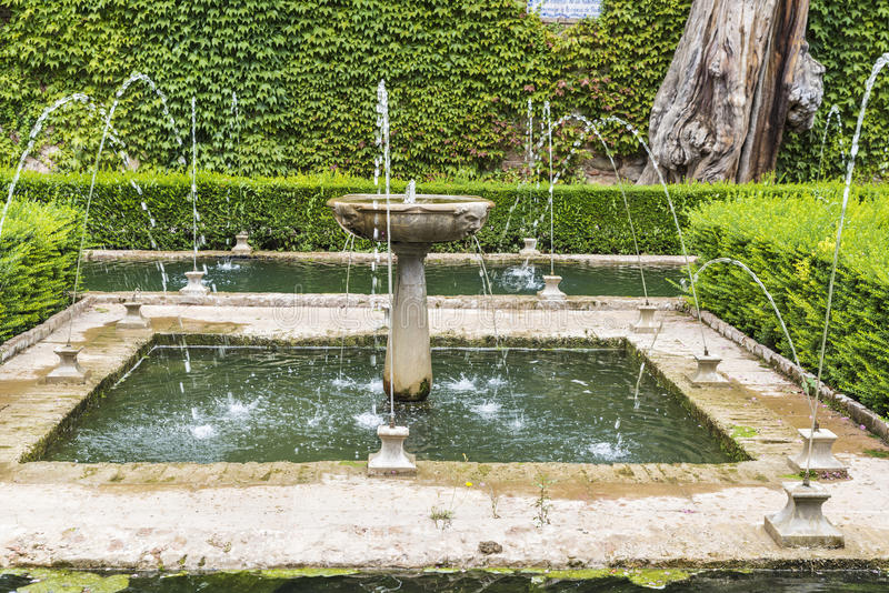 Generalife fait du jardinage à Alhambra à Grenade, Espagne photo stock