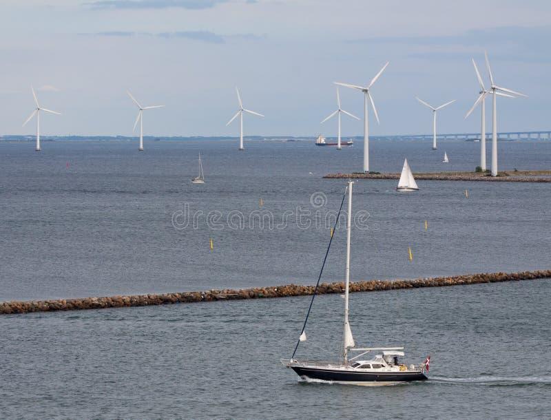 generatorów horyzontalny żeglowania shi turbina wiatr zdjęcie royalty free