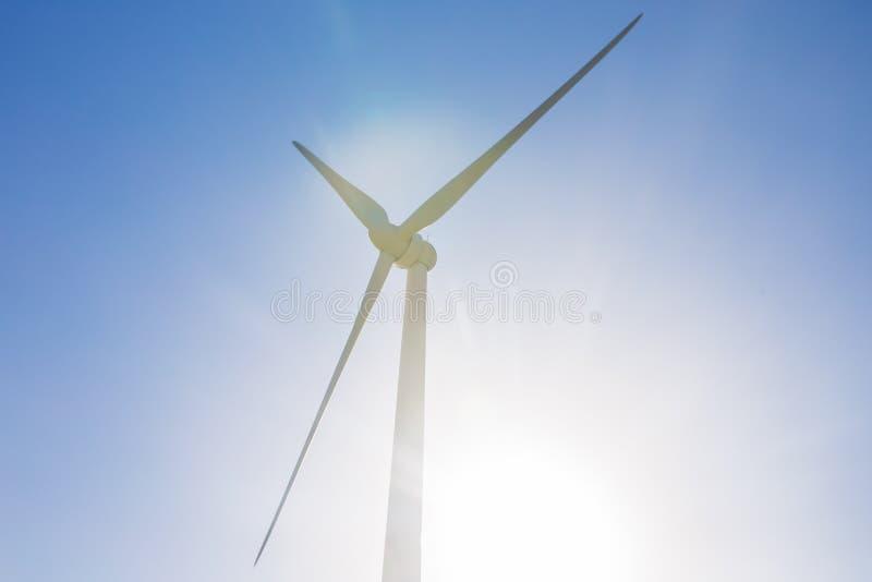 Generatore eolico per energia alternativa Potenza concept immagini stock libere da diritti