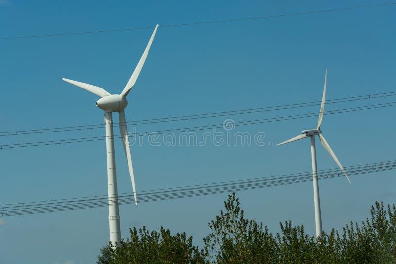 Generatori eolici per le energie rinnovabili immagine stock libera da diritti