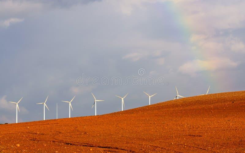 Generatori eolici sotto un cielo tempestoso II fotografie stock