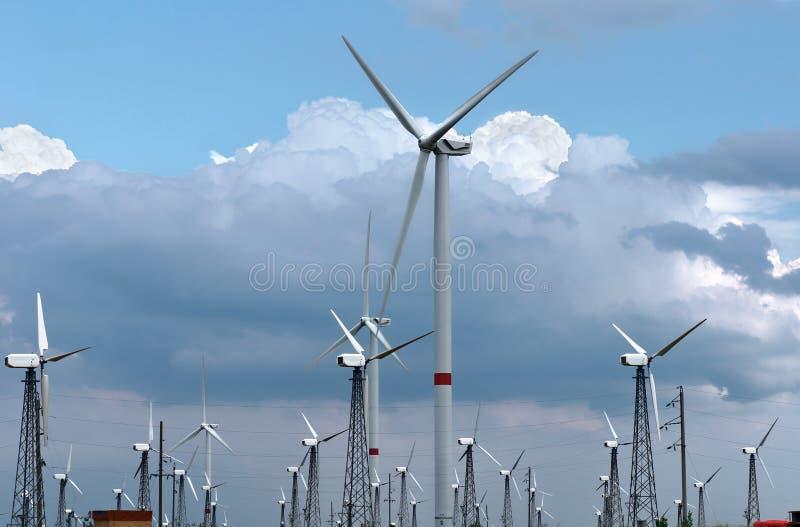 generatory zasilający wiatr zdjęcia royalty free