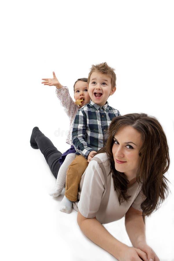 Generi dare il suo giro di a due vie del figlio e del derivato contro un bianco fotografia stock
