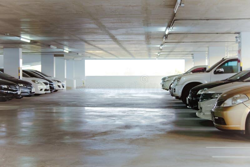 Generisch parkeerterreinbinnenland, parkeerterrein royalty-vrije stock afbeelding