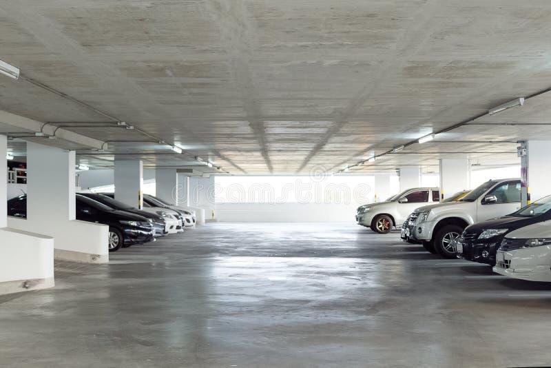 Generisch parkeerterreinbinnenland, parkeerterrein royalty-vrije stock foto