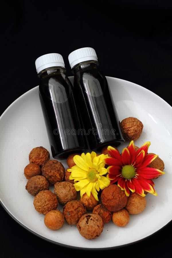Generisk mörk Aromatheraphy olja royaltyfria bilder