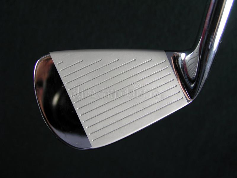Generisk ren skinande polerad bild för Closeup för golfklubbjärnhuvud royaltyfri fotografi