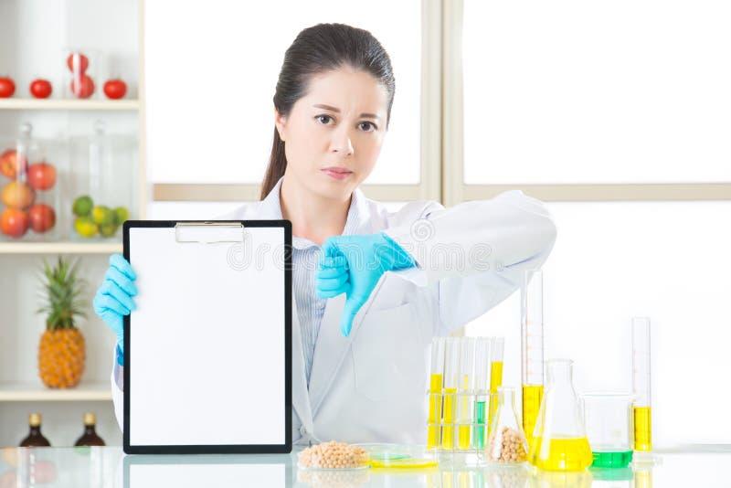Genetyczny modyfikacja wynik testu jest zły zdjęcie stock