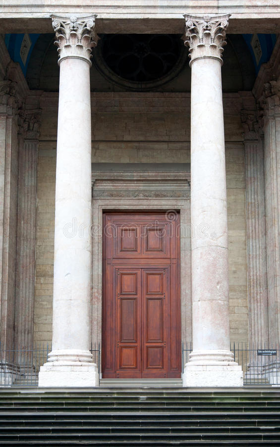 Download Geneva Cathedral Entrance Royalty Free Stock Photography - Image: 27273807