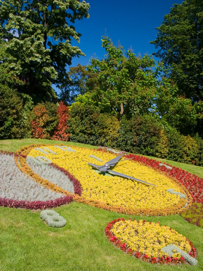 Free Geneva Flower Clock Stock Image - 1547841