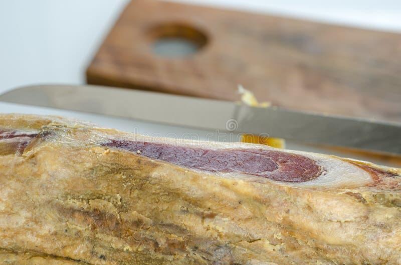 Genezen Iberisch hambeen, bellotaham Gastronomisch Spaans voedsel royalty-vrije stock foto's