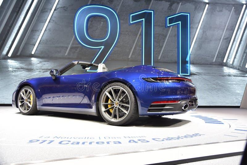 Genf, die Schweiz - 5. März 2019: Cabrioletauto Porsches 911 Carrera 4s stellte an der 89. Genf-Internationalen Automobilausstell lizenzfreies stockfoto