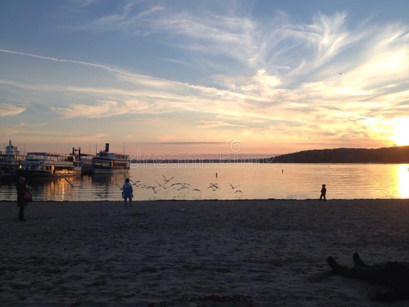 Genfersee-Sonnenuntergang lizenzfreie stockfotografie