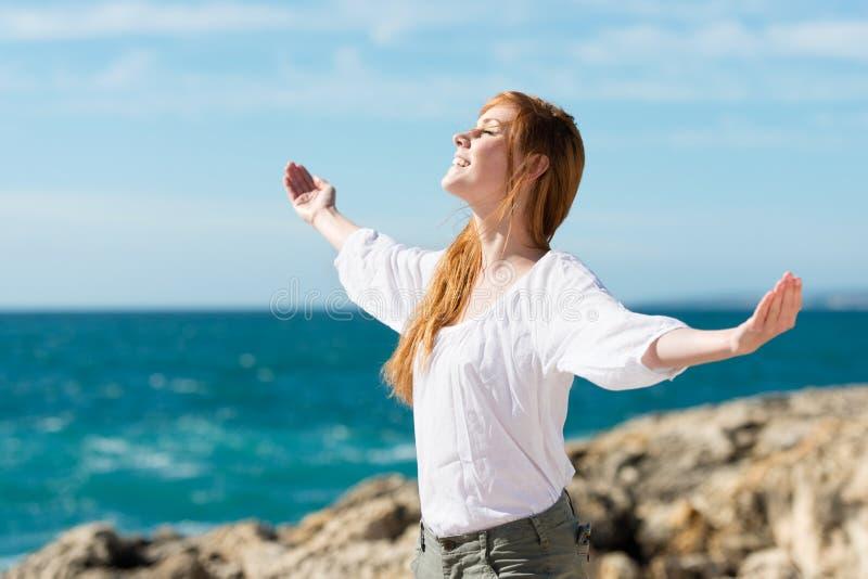 Genießen der Sonne stockfoto