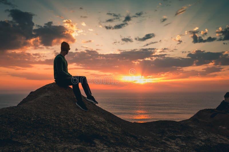 Genießen Sie den Sonnenuntergang lizenzfreie stockfotos
