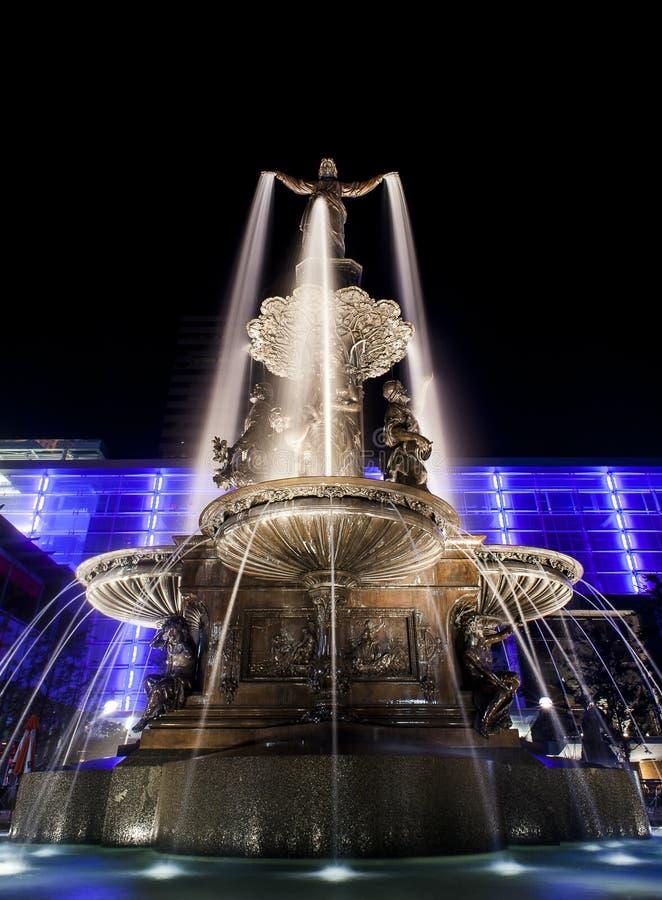 Genie des wasser- Brunnen-Quadrats - im Stadtzentrum gelegenes Cincinnati, Ohio lizenzfreies stockbild