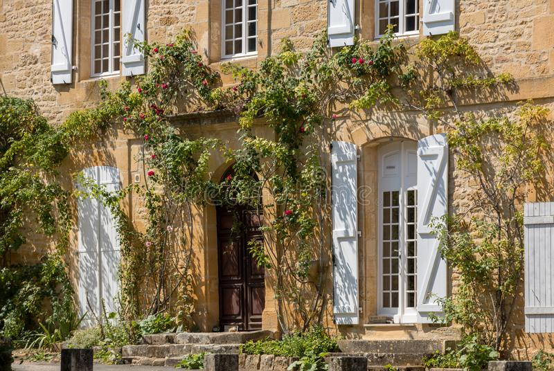 Άγιος Genies είναι ένας καλός  χωριό μεταξύ Montignac και Sarlat στοκ φωτογραφίες