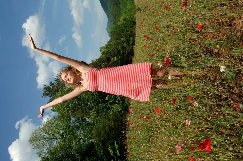 Geniet de zomer van zon en wind royalty-vrije stock afbeelding