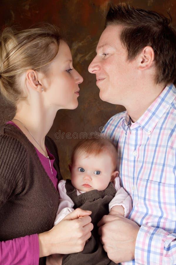Genitori felici immagine stock libera da diritti