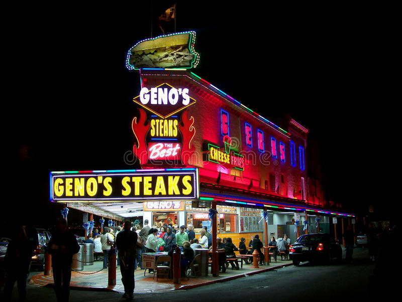 Geno-` s Steaks in Philadelphia, PA nachts stockbilder