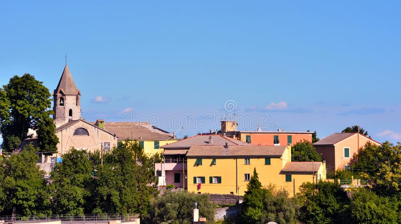 Genoa e a igreja do promontório imagem de stock