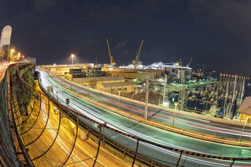 Genoa Flyover en la noche foto de archivo
