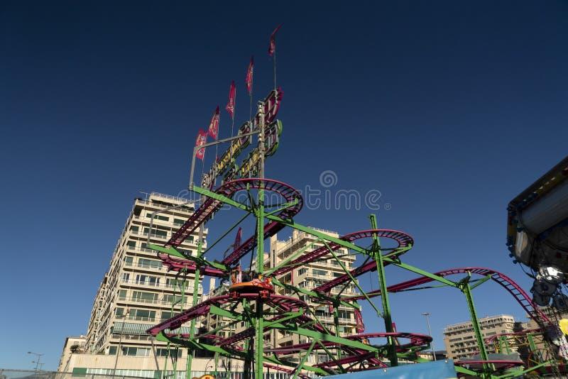GENOA, ITÁLIA - DEZEMBRO, 9 2018 - Natal tradicional Luna Park Fun Fair é aberto fotografia de stock royalty free