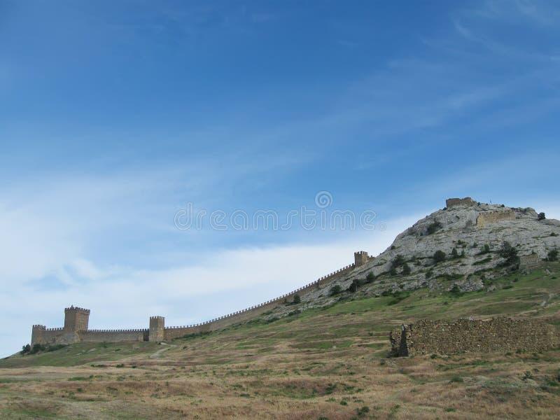 Genoese Festung auf Krepostnaya-Berg, Sudak, Krim lizenzfreie stockfotos