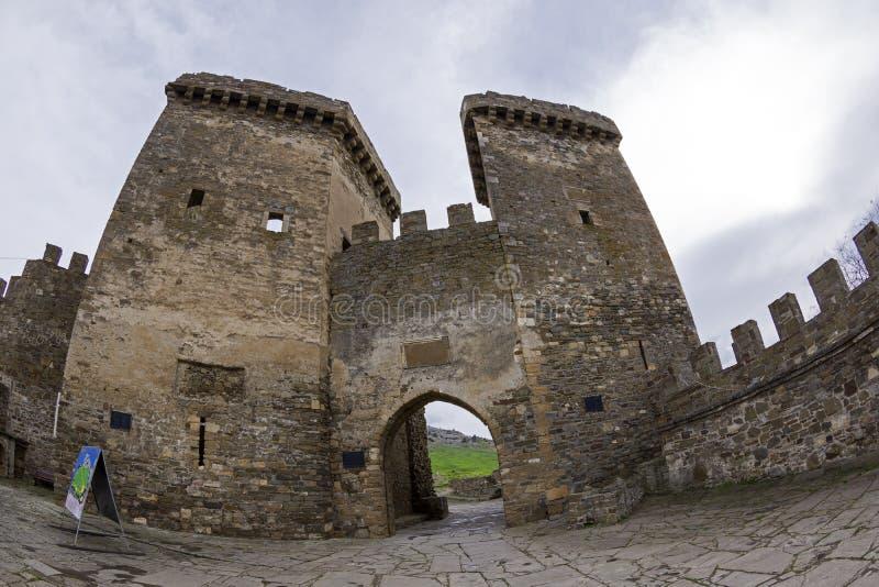 genoese sudak för crimea fästning ingångsfästning till arkivfoto