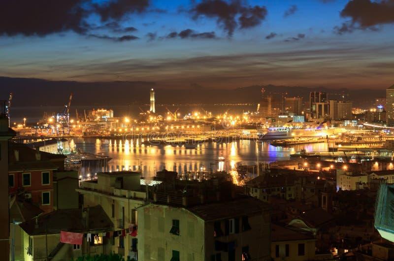 Genova ed il porto alla sera fotografie stock libere da diritti