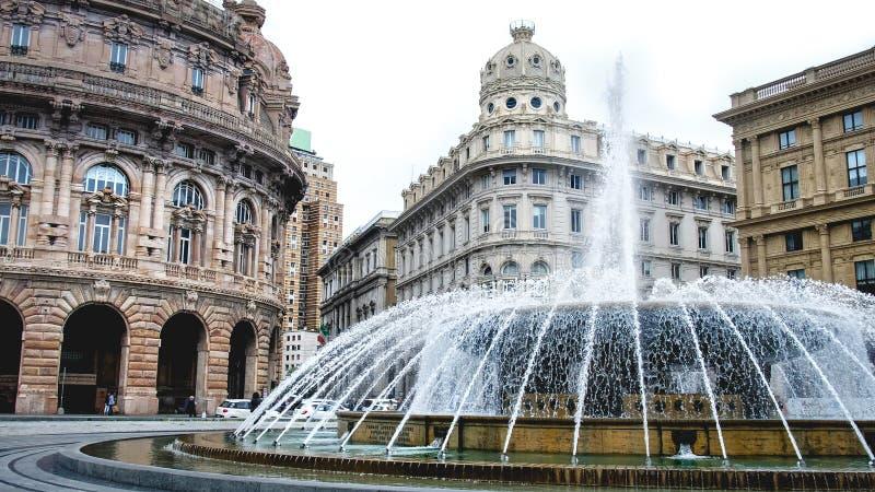 Genova fontanny piazza De Ferrari wodnego strumienia kwadrata placu włocha wakacje duzi punkty zwrotni fotografia stock