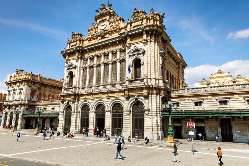 Genova Genua, Italien - April 18, 2019: Charma gator av Genua, Italien Gammal berömd stad av Italien, med härligt royaltyfria bilder