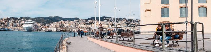 Genova, Italia - 21 aprile 2016: Panorama v di Genova dei Di di antico di Oporto immagine stock libera da diritti