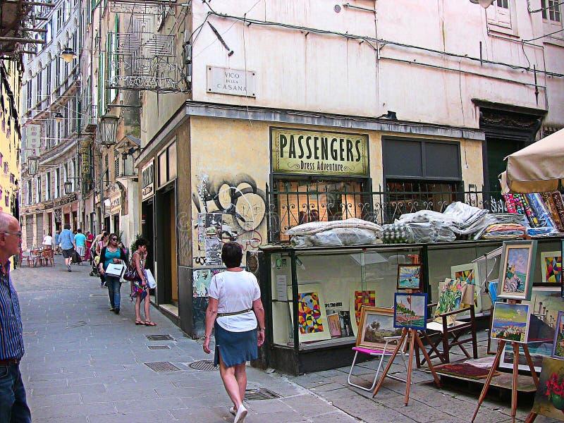 Genova, Italia, Liguria, vecchio vicolo della città immagini stock libere da diritti
