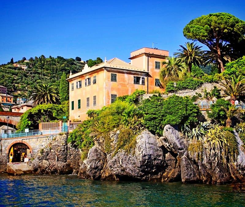 Genova-Nervi, Italia, casa sulla passeggiata del mare di Anita Garbaldi immagine stock