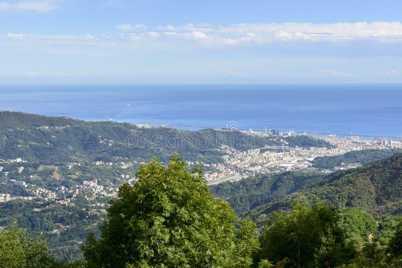 Genova vally i Polcevera od madonny della Guardia, Włochy zdjęcie stock
