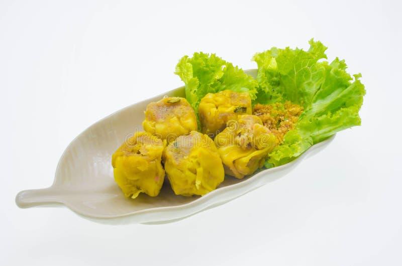 Genre de boulettes de crevette cuites à la vapeur par Chinois image libre de droits