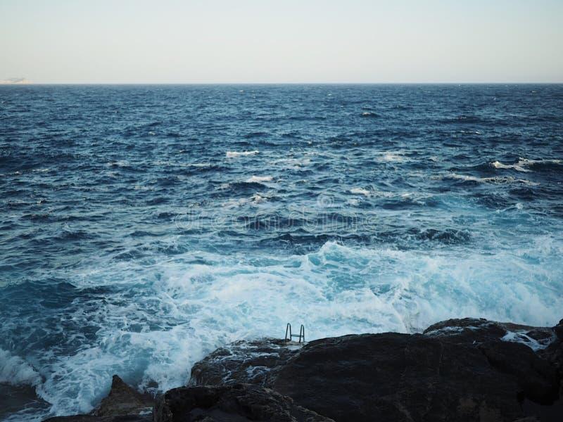 Genre de natation de temps photo libre de droits