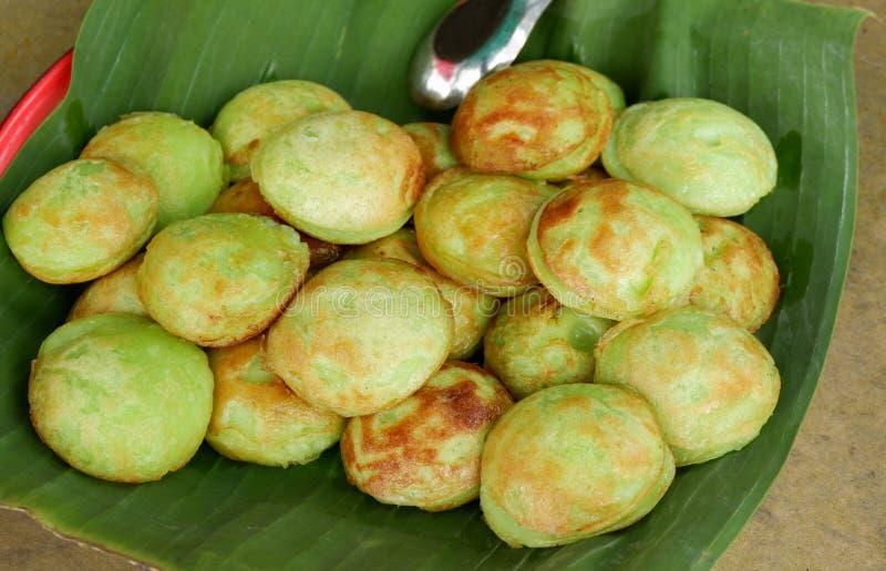 Genre de sucreries thaïlandaises - vert Pandan de krok de Kanom image libre de droits