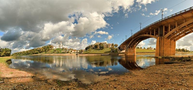 Genre sur le fleuve Zapadnaya Dvina images libres de droits