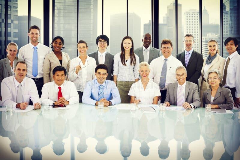 Gens d'affaires d'entreprise rencontrant Team Concept image libre de droits