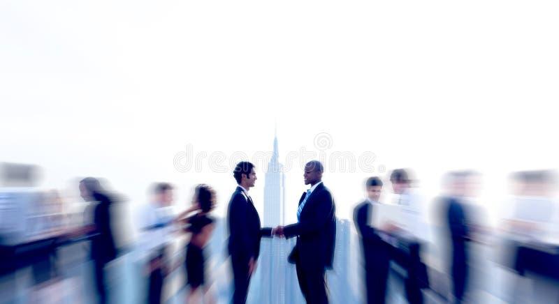 Gens d'affaires de poignée de main d'accord d'affaire images libres de droits