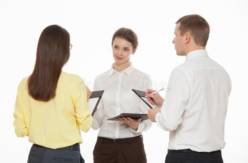 Gens d'affaires discutant la nouvelle idée d'affaires photographie stock